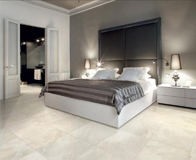 Фарфоровая плитка в спальне