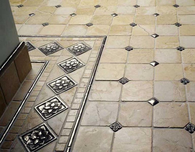 Совмещение керамической и металлической плитки