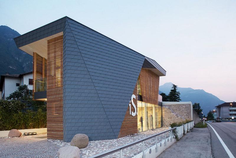 Фасад: металлическая плитка