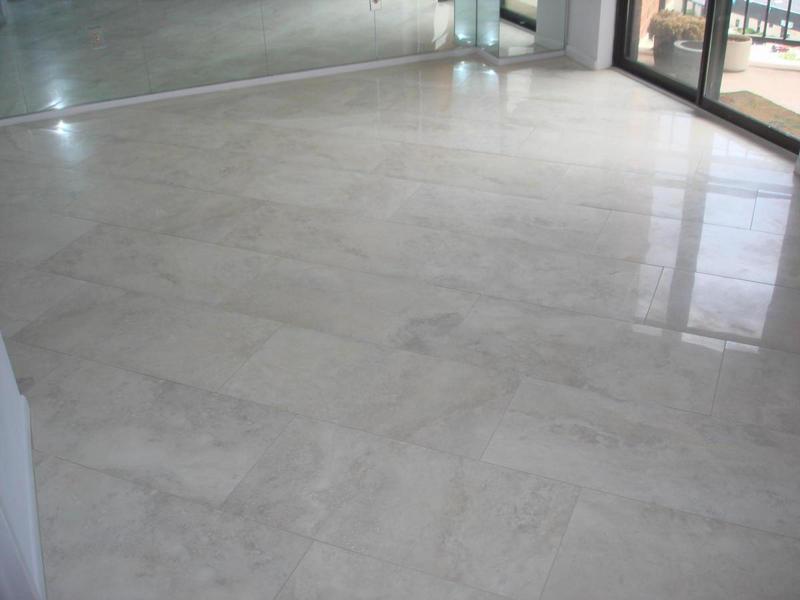 Укладка фарфоровой плитки на пол