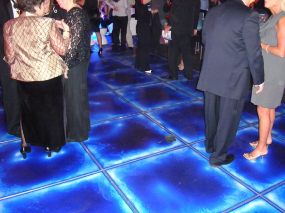 Жидкая плитка на танцполе
