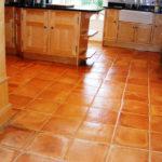 Терракотовая плитка на кухне