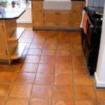 Кухня и терракотовая плитка