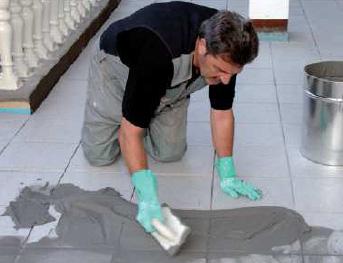 Применение затирки для керамической плитки на цементной основе