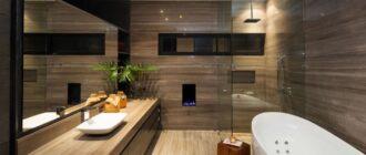 Дизайн ванной комнаты: плитка под дерево