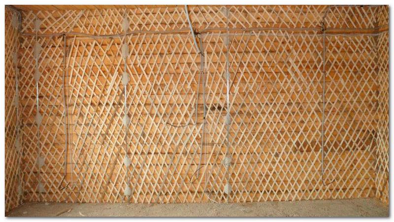 Как отштукатурить стены деревянного дома своими руками видео