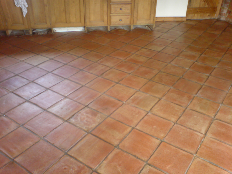 Staining ceramic tile